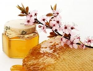 мед для гладкости рук