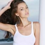 Хотите надолго сохранить упругость своей груди?