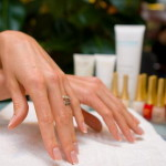 Классика ухода за ногтями: просто и быстро
