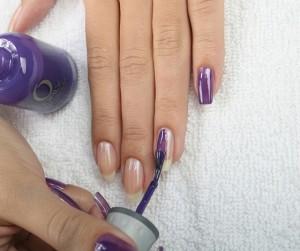 как аккуратно красить ногти