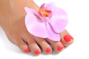 уход за ногтями ног
