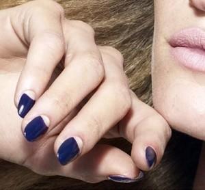 Дизайн ногтей синий гель лак