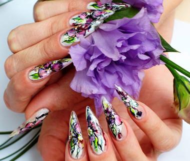 роспись ногтей акриловыми красками