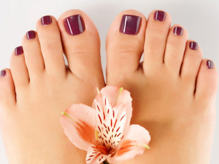 Покрытие ногтей на ногах гель-лаком