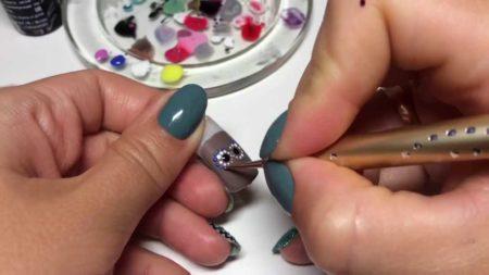 Кисточки для рисования на ногтях какая зачем