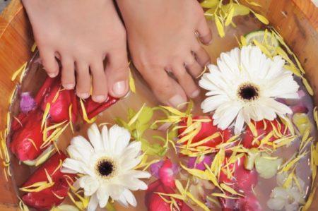 ванночка с травами для ног