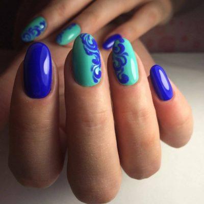 вензеля сине-зеленые на ногтях