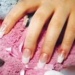 Проводим коррекцию гелевых ногтей правильно