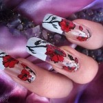 Цветочная композиция на ногтях