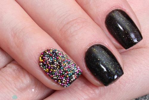 маникюр на короткие ногти с бульонками