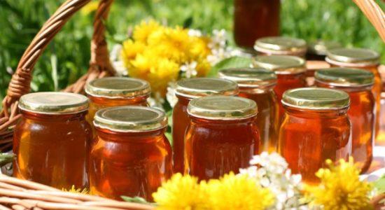 мед от трещин на пятках