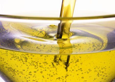 Растительное масло – оптимальное средство для хорошего загара