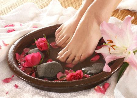 Порадуйте свои ножки маслами