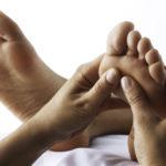 Делаем массаж ног по всем правилам