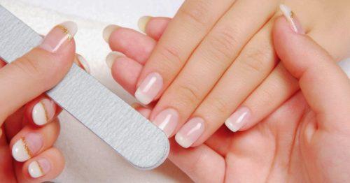 Почему слоятся ногти и что с этим делать?